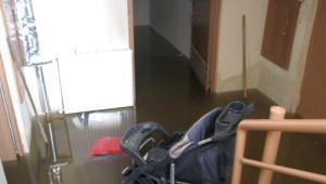 TOKİ Konutlarını Kanalizasyon Suları Bastı