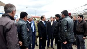 Vali Taşyapan Saray ve Özalp'ta İncelemelerde Bulundu