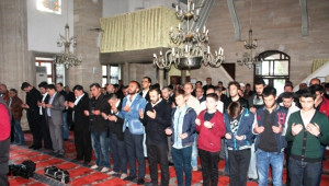 Alparslan Türkeş Tekirdağ'da Dualarla Anıldı