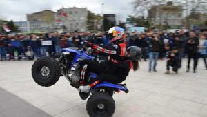 Milli Motosikletçi Sofuoğlu Atv ile Gösteri Sundu
