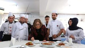 Fatma Şahin'den Gasmek Kursiyerlerine Ziyaret