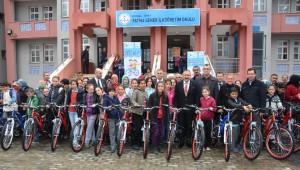 İzmit'te Bisikletler Dağıtılmaya Başlandı