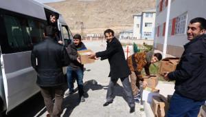 Adilcevaz Myo Öğrencilerinden Köy Okuluna Kitap Bağışı