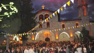 Antakya Ortodoks Kilisesi'nde Paskalya Ayini Yapıldı