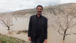 Hes'e Su Taşıyan Kanal Patladı, Kayısı Ağaçları Su Altında Kaldı
