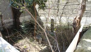 Tarihi Mezarlığa Rezidans Yapıldı İddiası