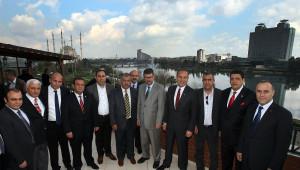 Ankara Karar Vermede Tereddüde Düşünce Projeler Gecikiyor'