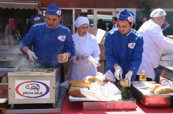 Başakşehir'de Vatandaşlara 6 Ton Balık İkramı