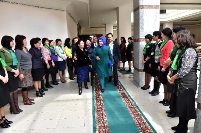 Başbayan Emine Erdoğan'a Kazakistan'da Dombra Ziyafeti