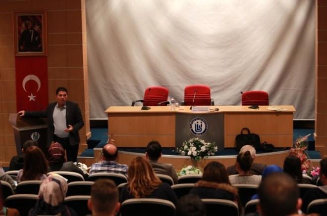Demirbüken, Bayburt Üniversitesinde Liderlik Eğitimi Konferansı Verdi