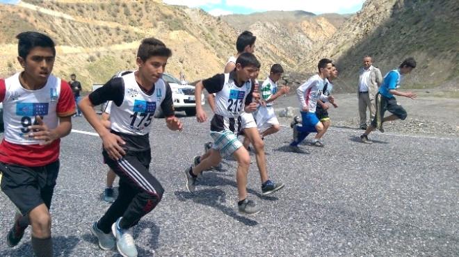 Hakkari'de Atletizm İl Birinciliği Yarışması