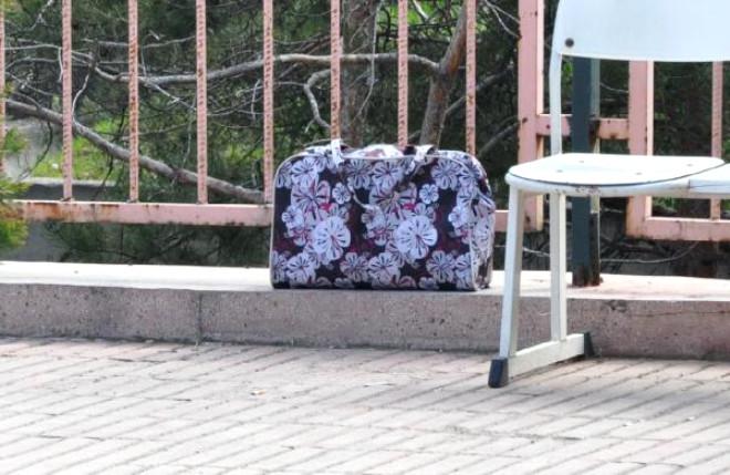 Hastane Önüne Bırakılan Çanta Panik Yarattı
