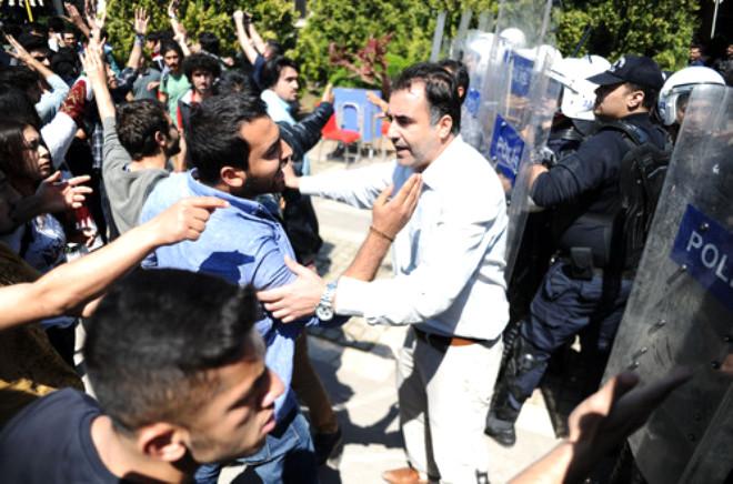 Mersin Üniversitesi'nde İki Grup Arasında Kavga Çıktı, 4 Öğrenci Yaralandı