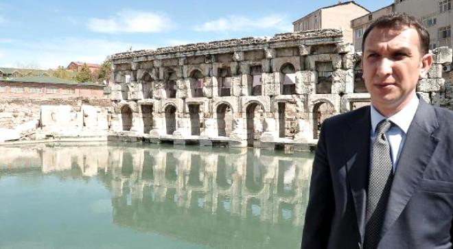 Tarihi Roma Hamamı Tarihe Işık Tutuyor