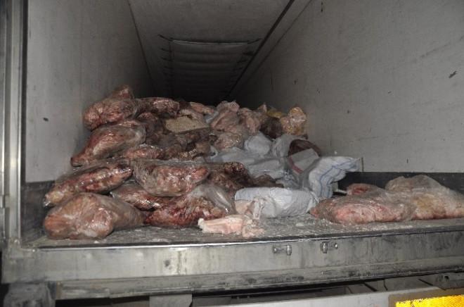 Afyonkarahisar'da Bir Tır Dolusu Kaçak Et Ele Geçirildi