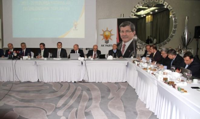 Arınç'tan Şok İddia: 'Hdp'nin Parti Olarak Seçime Girmesinin Sorumlusu CHP'dir'