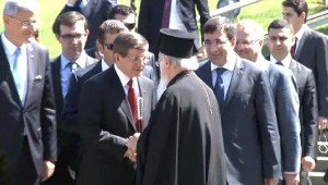 Başbakan Davutoğlu, Özal'ın Mezarını Ziyaret Etti (1)