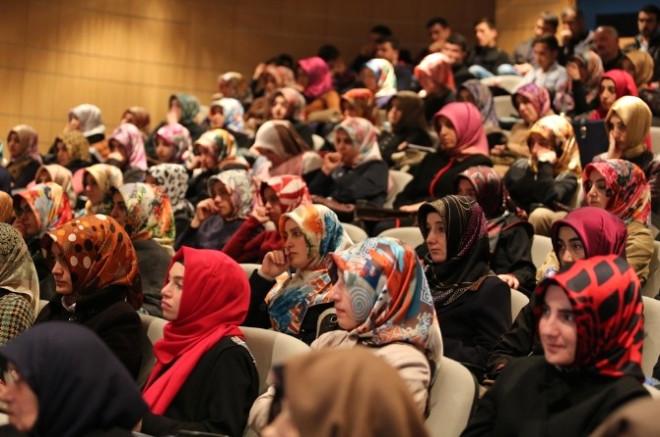 Bayburt Üniversitesinde Hz. Peygamber ve Birlikte Yaşama Ahlakı Paneli