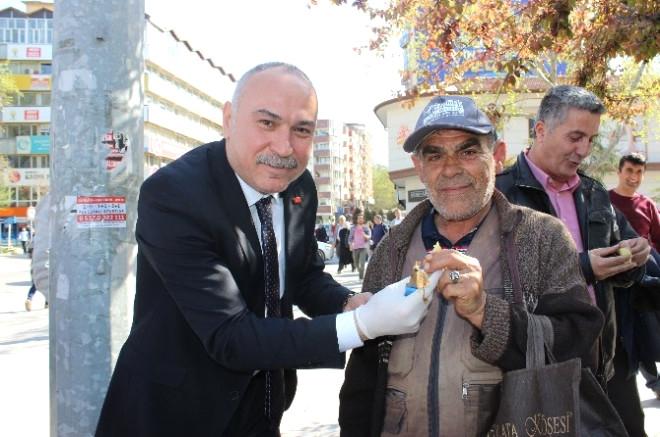 CHP'den 'Çeyrek Patates' Eylemi