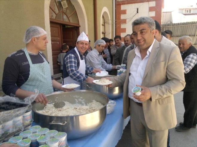 Hisarcık'ta Bin Kişiye Kutlu Doğum Pilavı Dağıtıldı