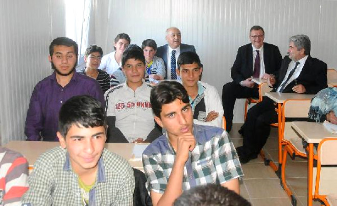 Milli Eğitim Bakanlığı Müsteşar Yardımcısı: Okullar Suriyeli Çocuklara da Açılacak