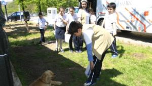 Öğrenciler Hayvan Barınağını Gezdi