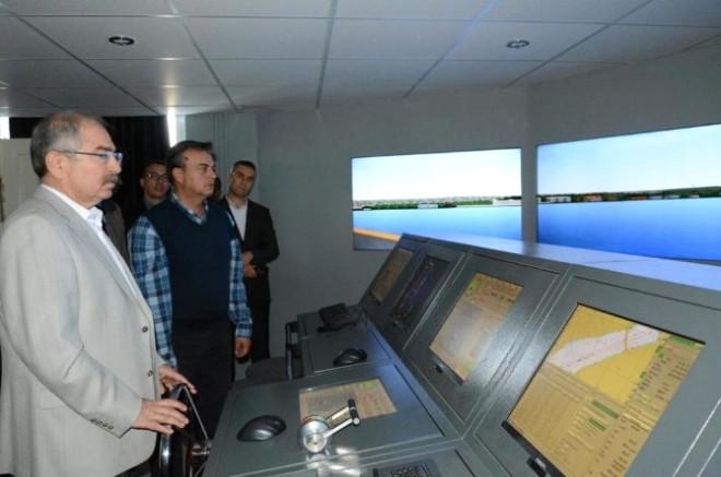 Vali Yaman Gemi Simülatörü Kullandı