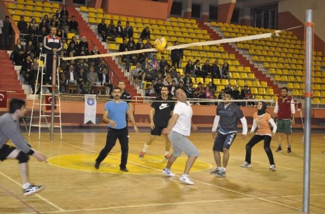 Voleybol Turnuvası Sona Erdi