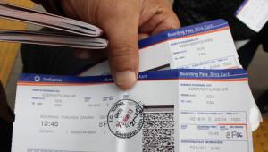 Frankfurt Uçağı Rötar Yapınca Zor Durumda Kalan Yolcular Otellere Taşındı