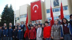 İzmit'te CHP'den Çelenk Tepkisi