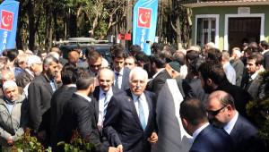 Kamalak ve Destici, Erbakan'ın Mezarını Ziyaret Etti