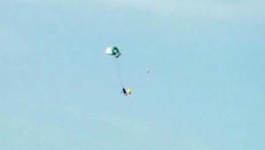 Havada Paraşütü Kapanan Pilot Denize İndi