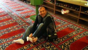 Selimiye Camii'nde 'Ücretsiz' Çorap Dağıtımı Başladı