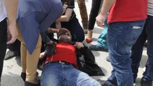 Otomobil Çarpan Motosikletli Pizza Kuryesi Yaralandı