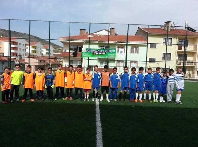Bozüyük Belediyesi Okullar Arası Futbol Şenliği Devam Ediyor