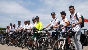 Bisikletli Gençler 'Medeniyet ve Barış Turu'na Çıktı