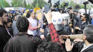 İzmit'te 1 Mayıs Kutlamasına Yaklaşık 15 Bin Kişi Katıldı (2)