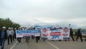 Adıyaman Havaalanı'nda 'Pahalı Uçak Bileti' Protestosu