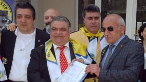 Turgut Özal'ın Lise Diploması ve Karnesi Oğluna Verildi
