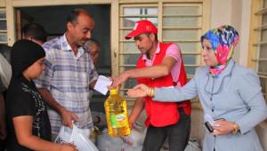 Kızılay Kerkük'te Yardım Dağıttı