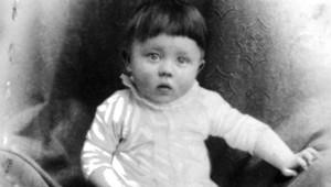 Hitler'in İlk Fotoğraf Albümü