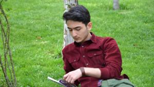 Azerbaycan'da Geleneksel Kitap Fuarı Yoğun İlgi Görüyor
