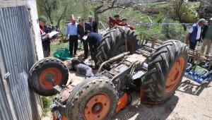Takla Atan Traktörün Altında Kalan Çiftçi Öldü