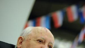 Gorbaçov: Moskova'da Zafer Bayramı'na Katılmamak Saygısızlık