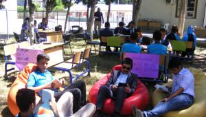 Kitap Okuma Etkinliği Başlatan Öğrenciler Halkı da Davet Ediyor