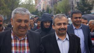 Önder: AKP'liler, Başka Partilerle Televizyona Çıkarsa Madara Olurlar