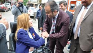 Bir Fotoğrafla Türkiye'nin Tanıdığı Engelli Milletvekili Adayı İnegöl'den Oy İstedi