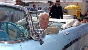 En Büyük Tutkusu Klasik Otomobillerdi