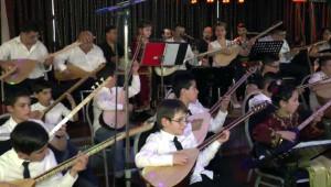 Almanya'da Asimilasyona Karşı Müzikli Mücadele