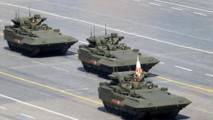 Armata, Rakuşka, İskender ve Diğerleri Kızıl Meydan'ı Doldurdu